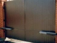 Распашные ворота из сэндвич-панелей 1
